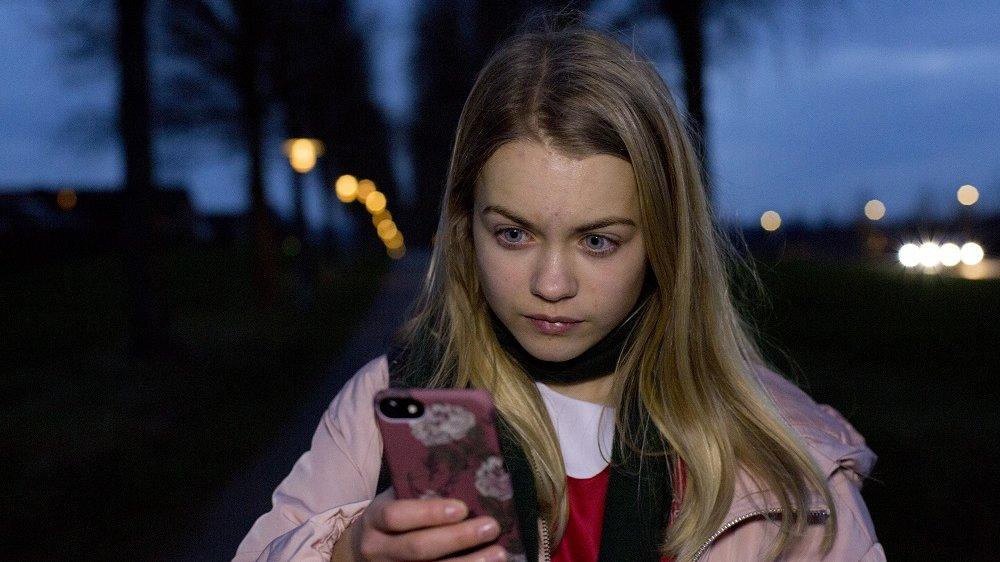 Digital kommunikation er fx at sende og modtage sms'er på en mobiltelefon. Men det er ikke alle beskeder, der er rare at få.